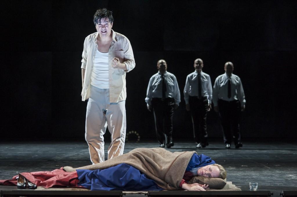 Der Prophet und seine Mutter (Anne Schuldt), Staatstheater Braunschweig, Foto: Volker Beinhorn